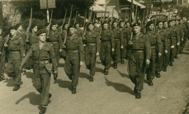 Marche-les Dames en 1950: Défilé. Albert060-12ad795